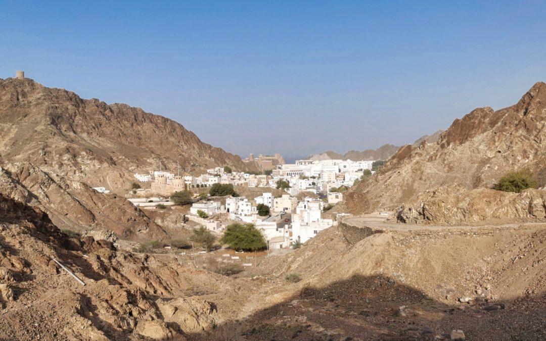 Soolomatkalla Omanissa: roadtrip wadeille ja vuoristoon